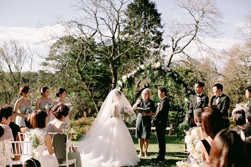 Lara-Hotz-Overseas-Wedding-Big-Day-Australia-Milton-Park-Country-House-033.jpg