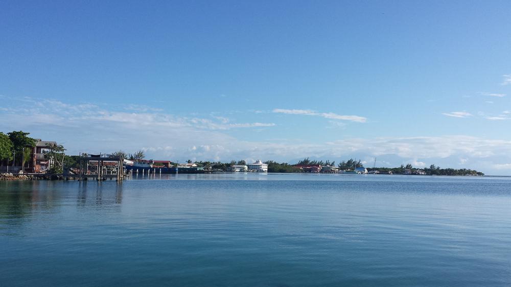 The bay of Utila town
