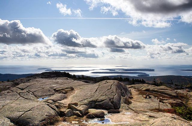 Top of Penobscot Mountain. . . . #acadia #acadianationalpark #penobscotmountain #maine #mainething #visitmaine #mymaine #mainetheway #scenicME #mainelife #themainemag #lovemaine #naturalmaine #maineoutdoors #livemaine #hikemaine #hiking