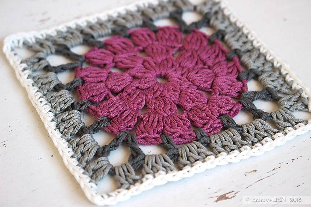 Dally Dahlia granny square | free crochet pattern and tutorial from the Emmy + LIEN blog