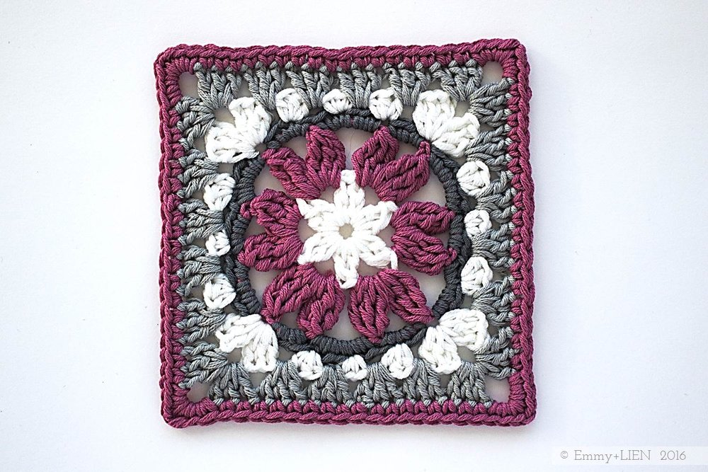 Anemone Granny Square | Free crochet pattern by Emmy + LIEN
