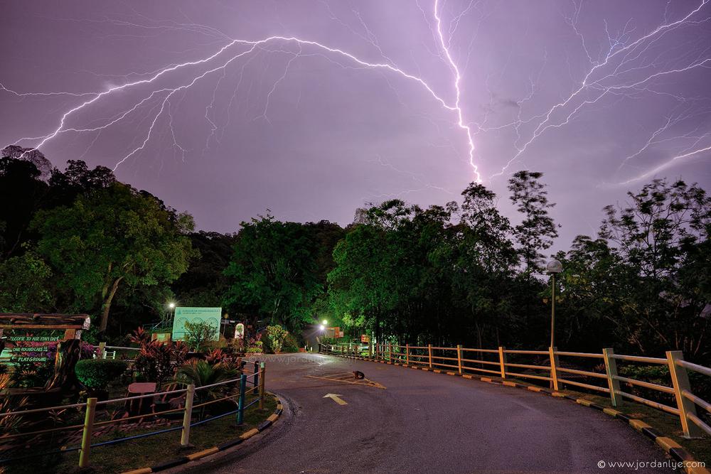 penang-air-itam-dam_landscape-photographer_lightning-season_jordan-lye-11.jpg