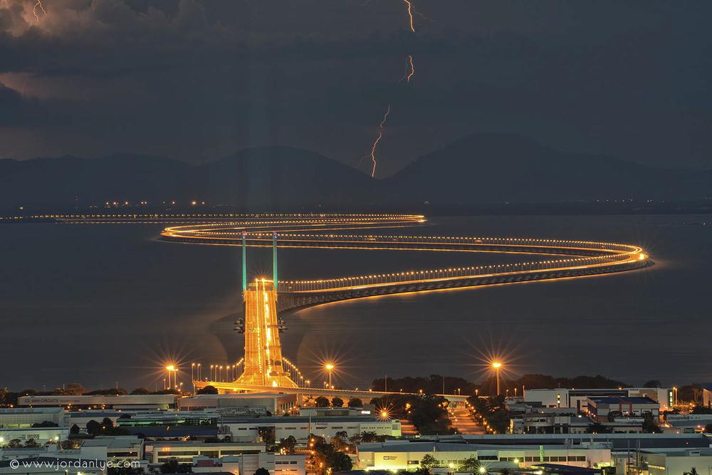 penang-second-bridge_landscape-photographer_lightning-season_jordan-lye-1.jpg