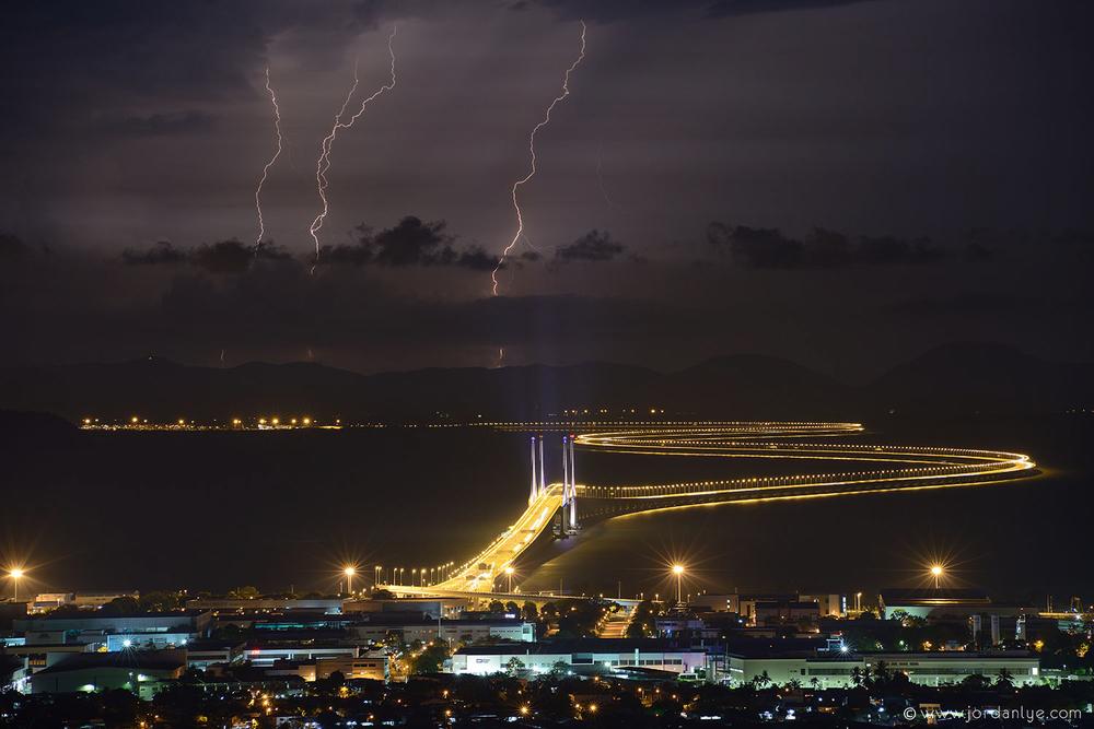 penang-second-bridge_landscape-photographer_lightning-season_jordan-lye-3.jpg