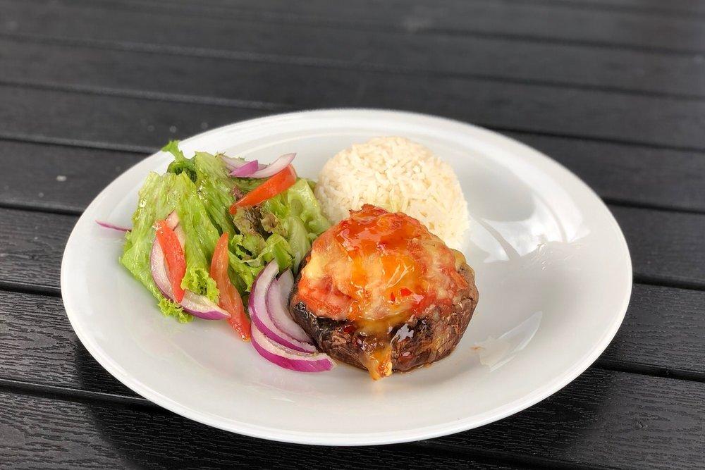 Ovnsbakt portobello med salat og ris - kr. 120,-/stk