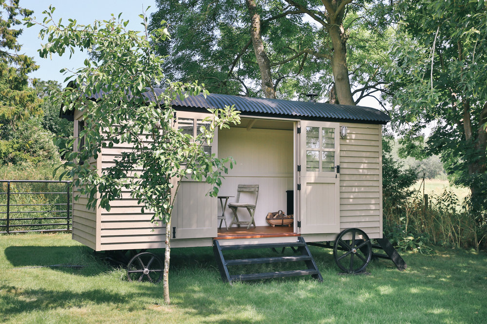 Garden office Red Sky Shepherd's Huts Oxfordshire & the Cotswolds