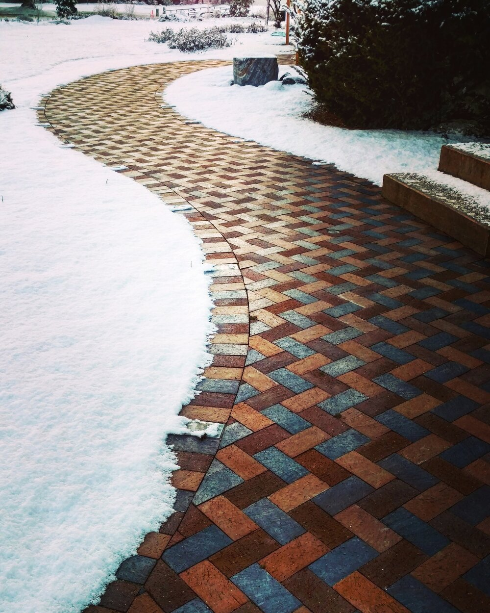 pavers_clay_heated_pathway_patio_walkway_herringbone