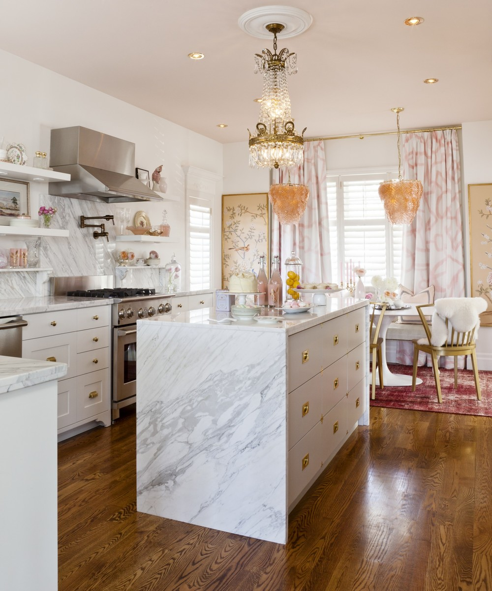 Feminine chic with white marble and brass hardware. So romantic! Image Source & Design by Meredith Heron Design