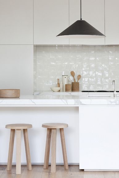 Australian sustainable living with materials and craftsmanship to achieve a timeless look. Design by Robson Rak Architects in collaboration with Made by Cohen, Photo by: Shannon McGrath