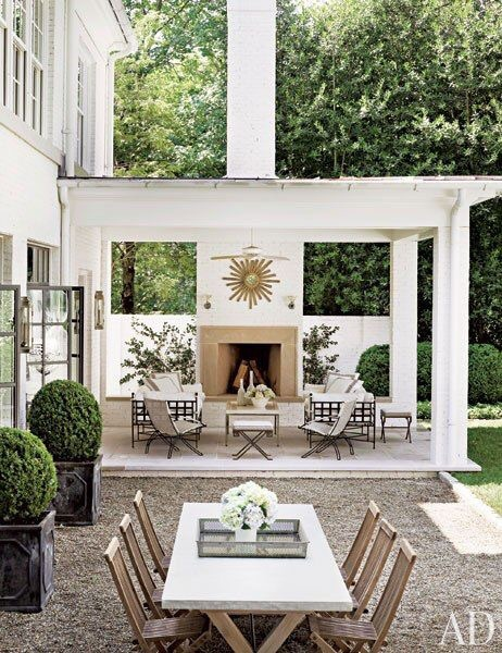 Suzanne Kasler's Atlanta Home, Architectural Digest. Wanna tour the rest of her lovely home? Take the tour  here .