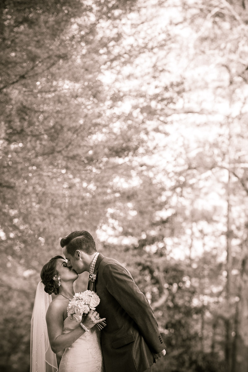 10PhotoDropWeddingsJessicaandKyle7704.jpg
