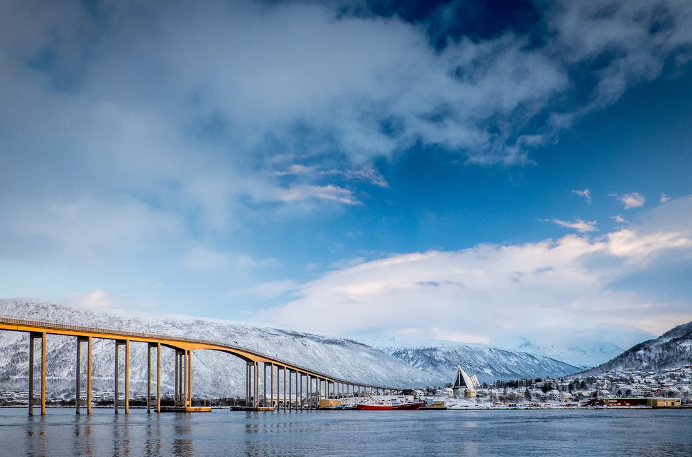 Foto: Tidlig vinter i tromsdalen av Mark Ledingham, Tromsø kommune.