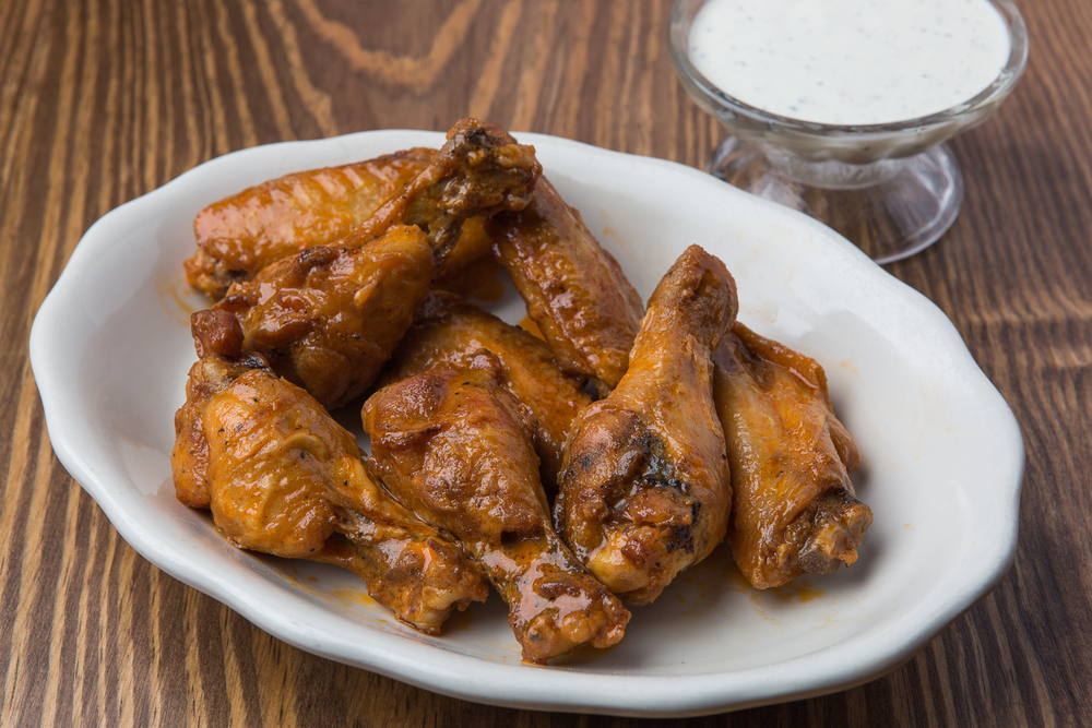 ezells buffalo chicken wings mild.jpg