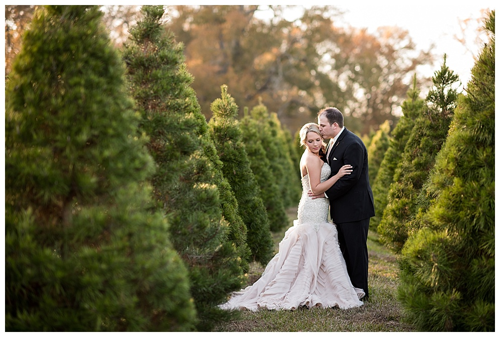 Emily_ChristmasTree_Farm_Arkansas_Wedding_Photographer_03.jpg