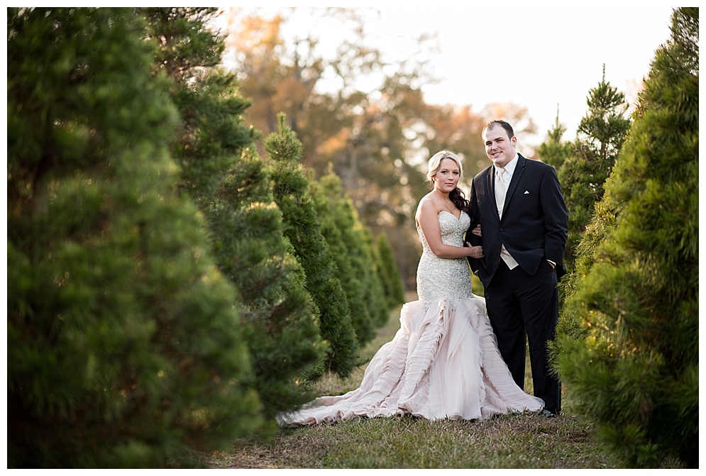 Emily_ChristmasTree_Farm_Arkansas_Wedding_Photographer_05.jpg