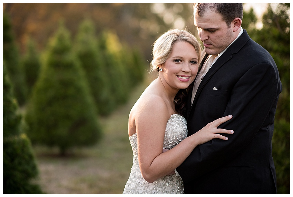 Emily_ChristmasTree_Farm_Arkansas_Wedding_Photographer_08.jpg