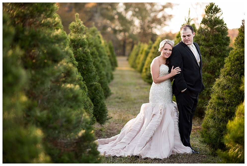 Emily_ChristmasTree_Farm_Arkansas_Wedding_Photographer_07.jpg