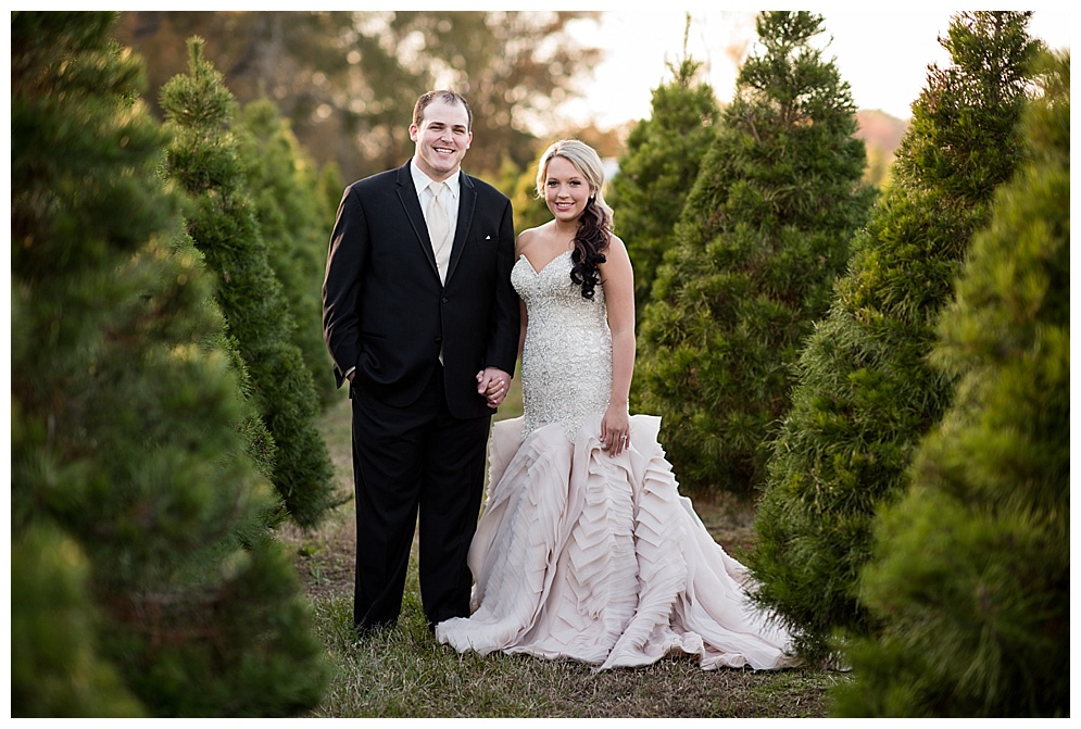 Emily_ChristmasTree_Farm_Arkansas_Wedding_Photographer_10.jpg