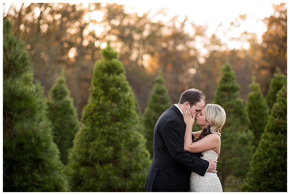 Emily_ChristmasTree_Farm_Arkansas_Wedding_Photographer_20.jpg