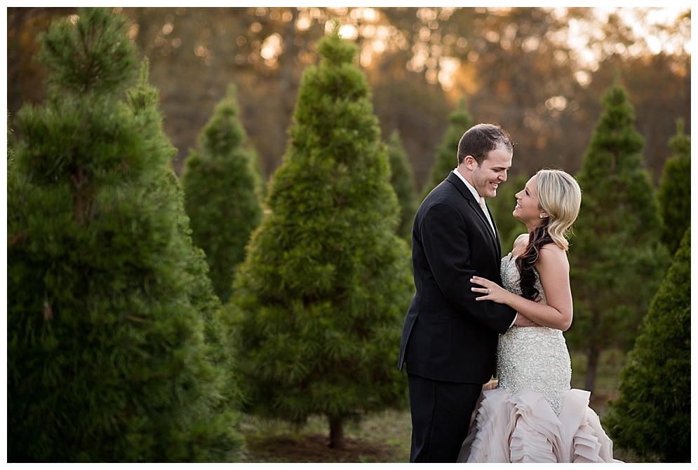 Emily_ChristmasTree_Farm_Arkansas_Wedding_Photographer_21.jpg