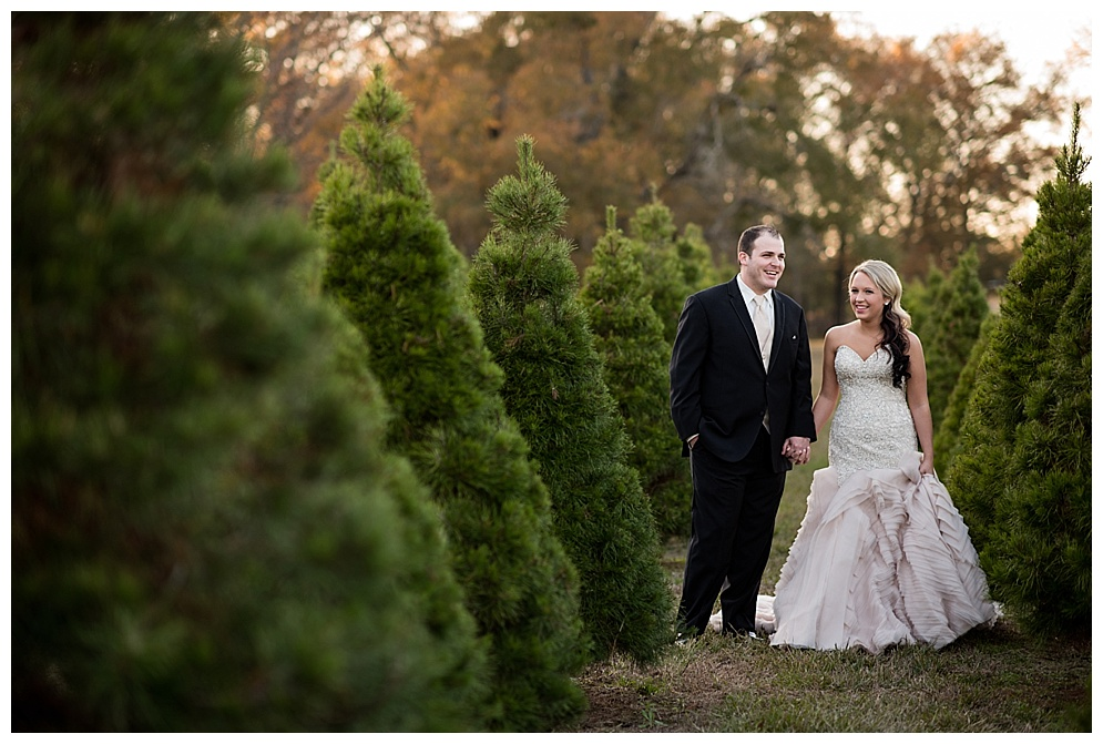 Emily_ChristmasTree_Farm_Arkansas_Wedding_Photographer_23.jpg