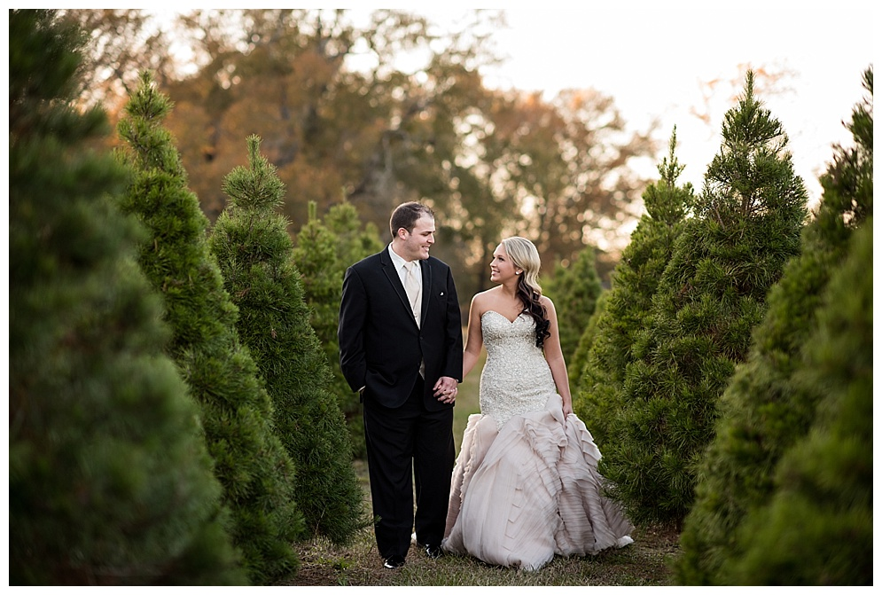 Emily_ChristmasTree_Farm_Arkansas_Wedding_Photographer_24.jpg