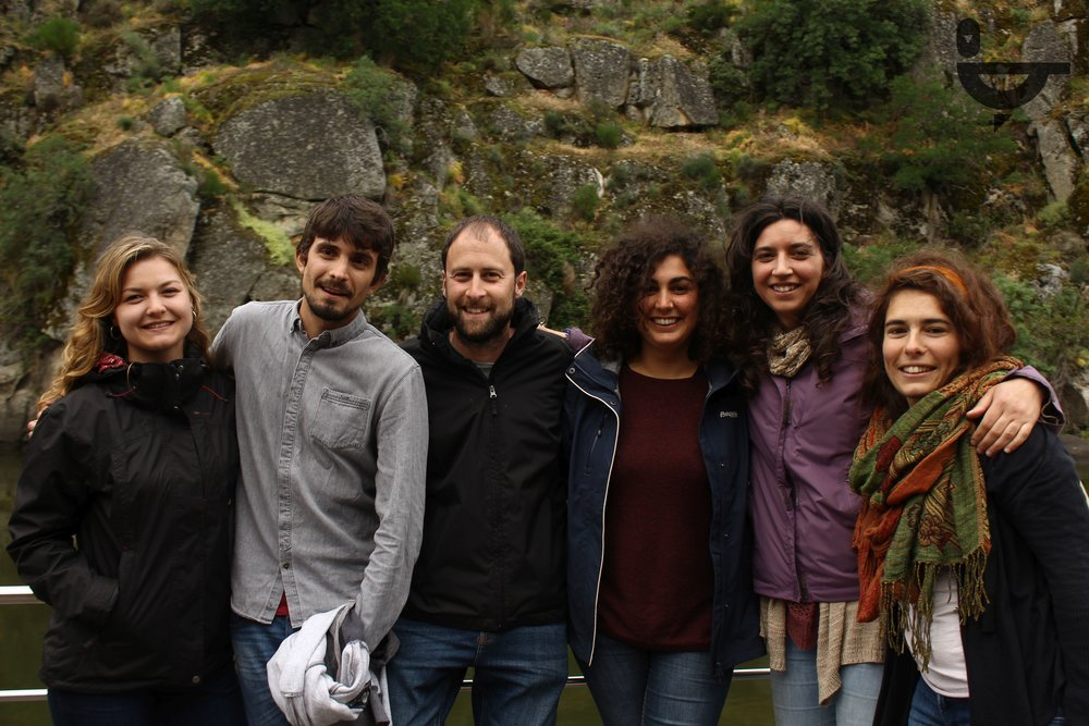 Passeio de Barco no Douro. Equipa e voluntários do Cesc-project da Palombar. Atividade integrada no CTVI Juvenil dinamizado em Peredo de Bemposta. Maio de 2018.