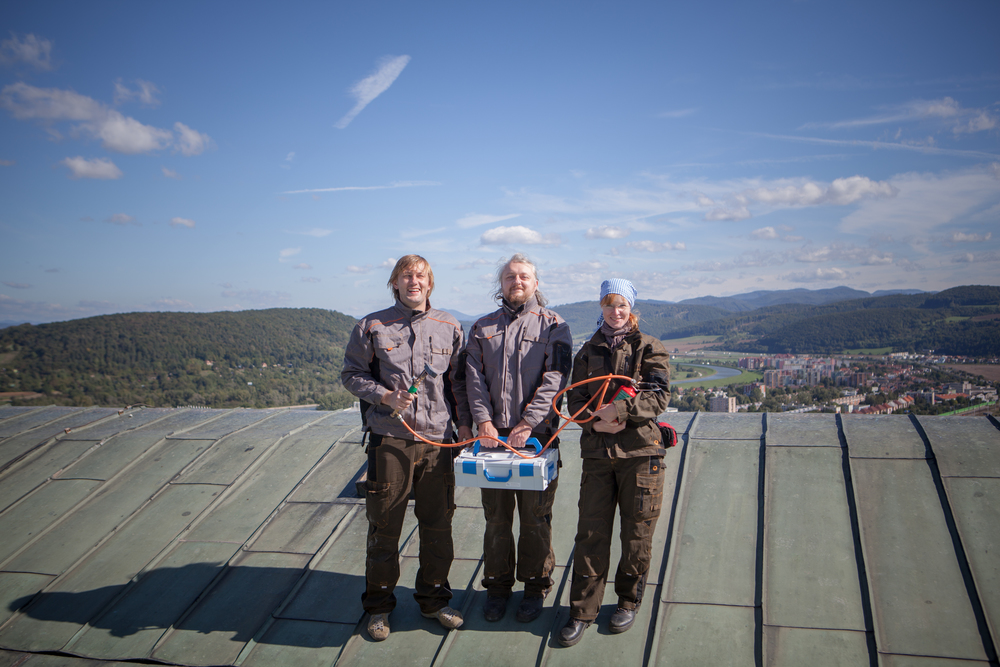 Tre arbeidslag reiser rundt og utfører vedlikehold. Foto: Ingrid Aas