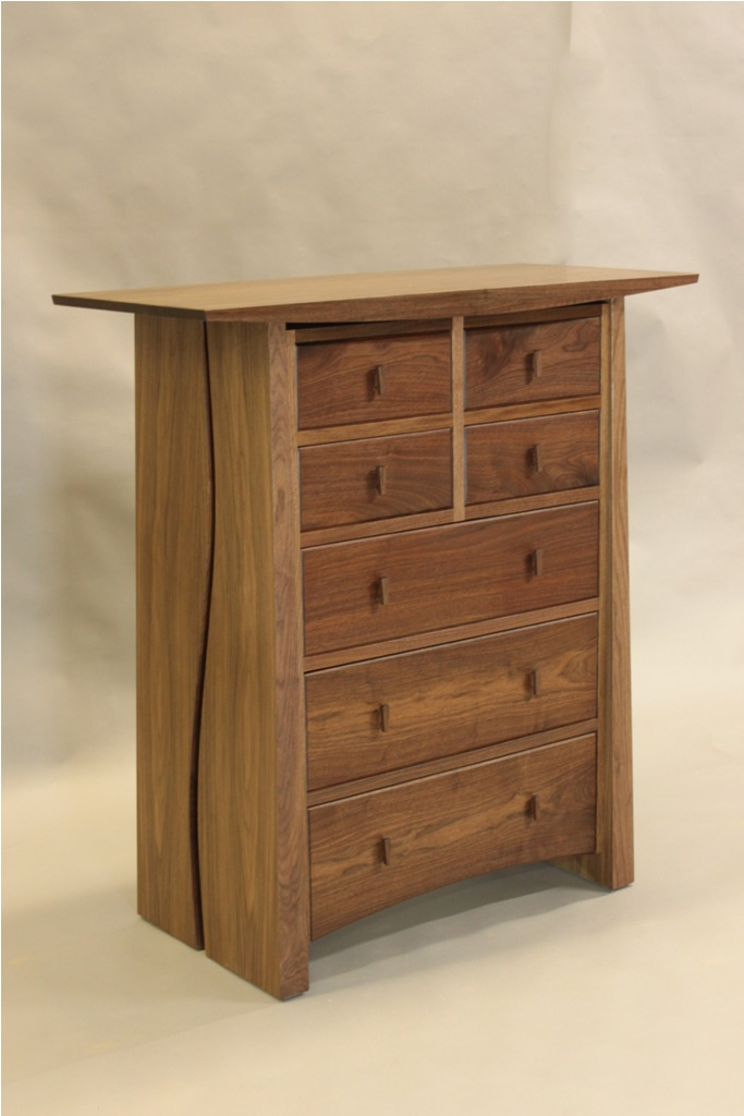 Meander 7 Drawer Chest (Walnut)