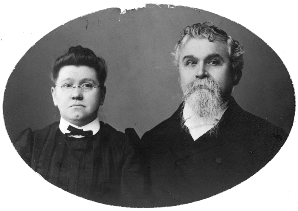 "1896   Reverend H.D. and Mrs. Libbie Beach Brown establish Washington Children's Home Society with the mission to find a ""home for every child."" They placed seven children in the first year."