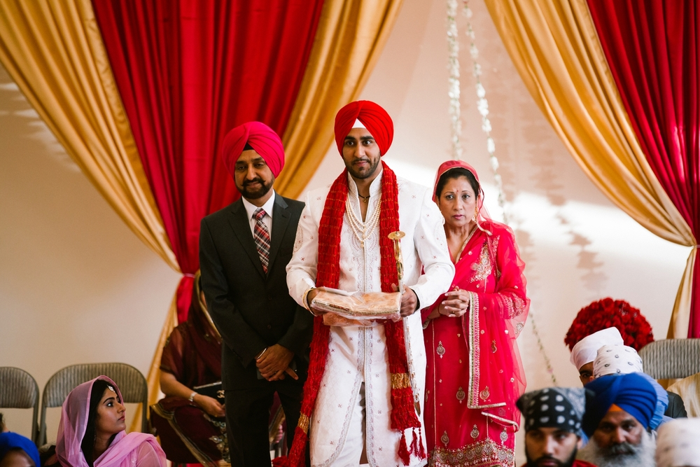 Sikh-wedding-Photographer-Meadowlark-Botanical-Gardens-Hilton-McLean-Tysons-Corner_0022.jpg