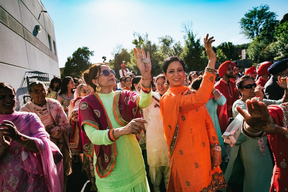 Sikh-wedding-Photographer-Meadowlark-Botanical-Gardens-Hilton-McLean-Tysons-Corner_0015.jpg