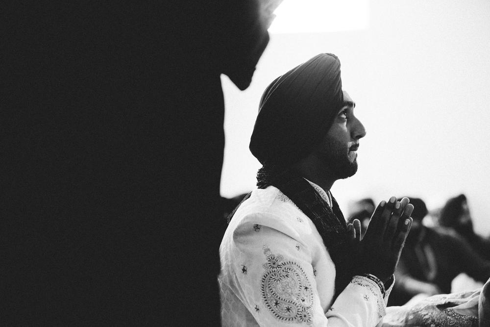 Sikh-wedding-Photographer-Meadowlark-Botanical-Gardens-Hilton-McLean-Tysons-Corner_0023.jpg