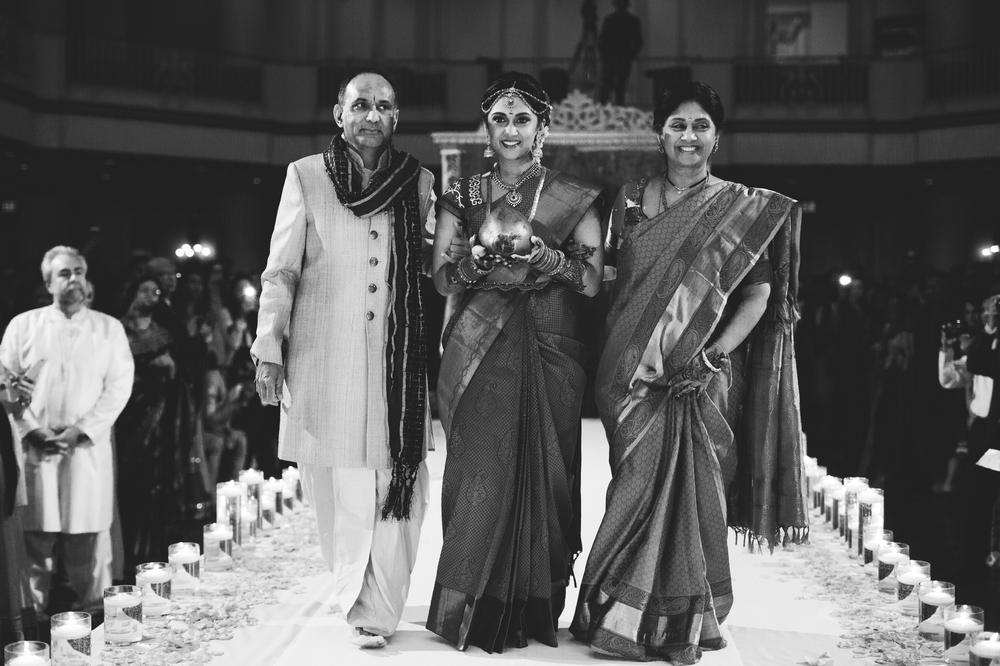 Indian-fusion-wedding-philadelphia-Hyatt-Bellevue_0015.jpg