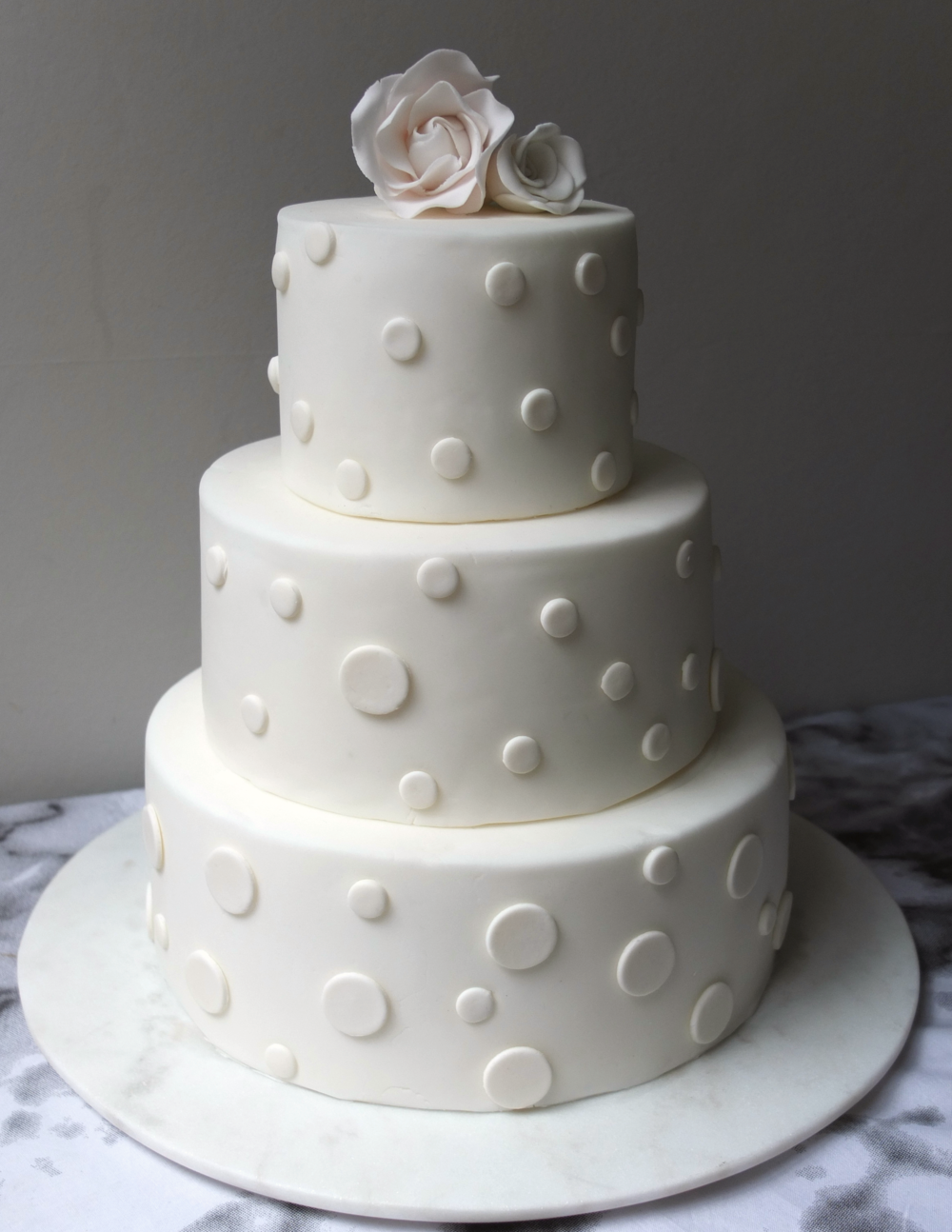 Dots - Abundance cakes wedding cakes