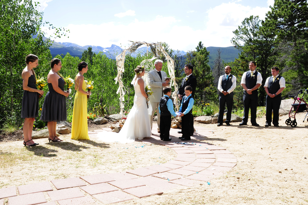 mountain-top-wedding-sawtooth