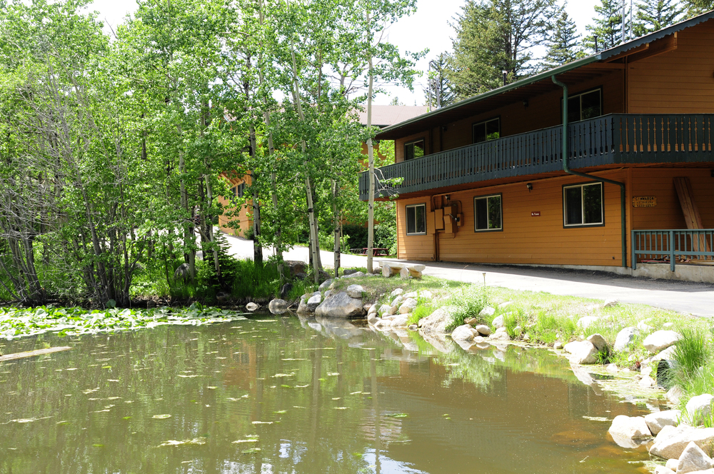 The Cimarron Lodge