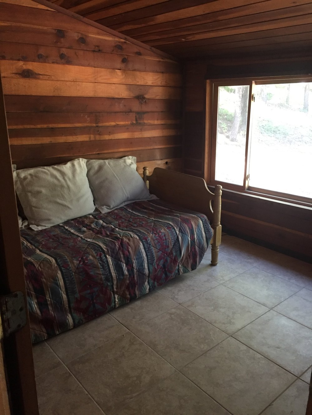 whistling pines 3rd bdrm-twin.jpg