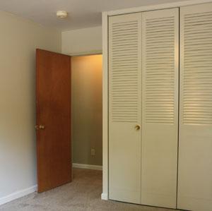 apt-bedroom.jpg