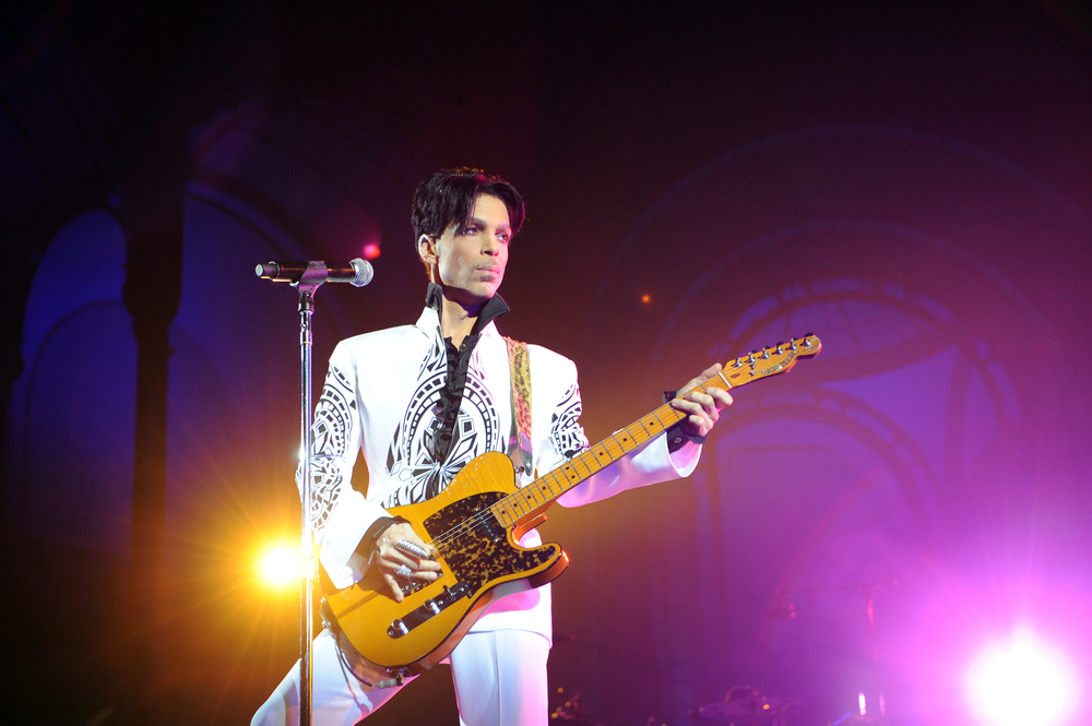 Prince in Paris_1461353912868_1857222_ver1.0.jpg