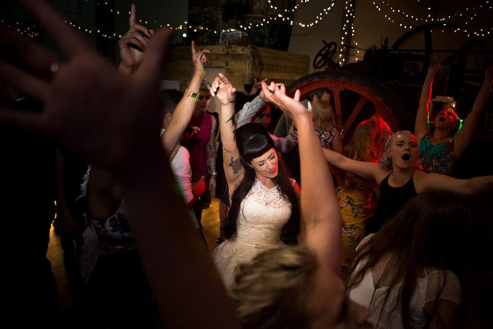 Froginwell-Vinyard-Devon-Wedding-Photography (6).jpg