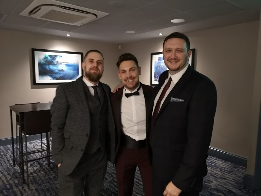 We also got to spend the evening with this legend. - I was over the moon to discover I had managed to bag a table with and sit next to this man Josh Curnow and his wife Jen. We met these guys at a wedding in 2018 and instantly became mates, total legends, go check out Josh on his insta HERE, talent on a different level!!!
