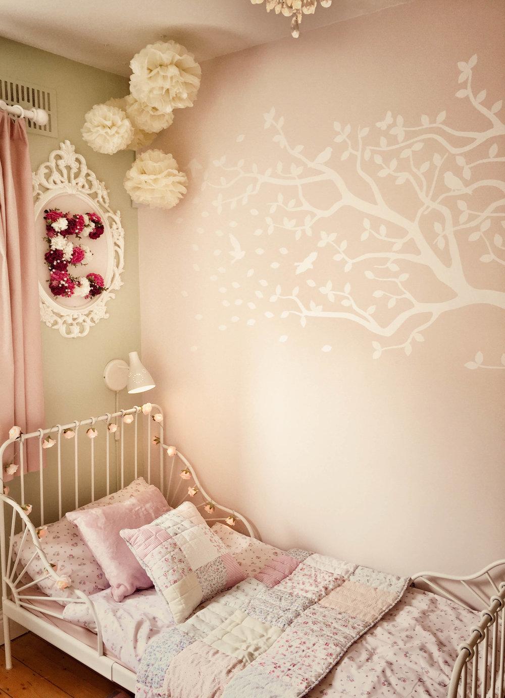 Girls bedroom (after)