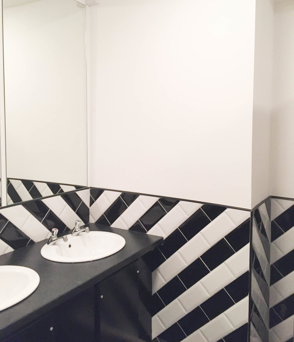 Bathroom tile design - The Jug, Francis St.
