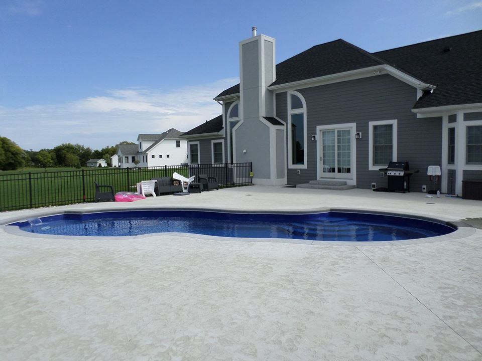 Why Choose Blue Water Spas & Pools?   Our customers are our business.