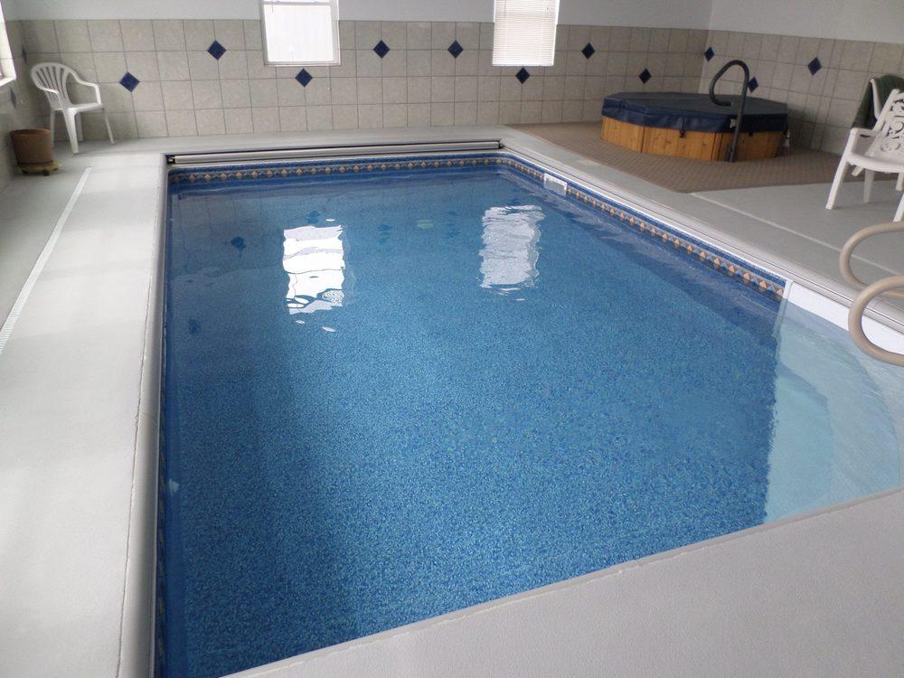 vinyl pool complete badaxe.jpg