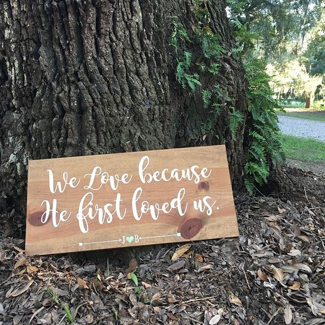 Went to the sweetest wedding tonight under the oaks in beautiful Charleston. 😍 I always love listening to the vows and at this wedding they did not disappoint! Let's just say my eyes were not dry. #ILoveLove 💕