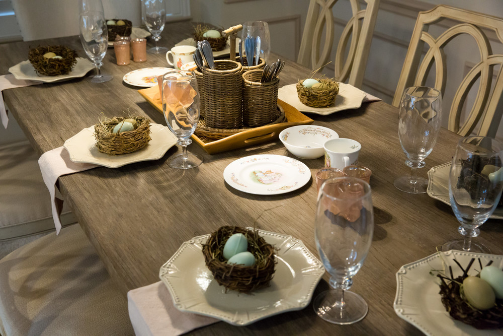 Easter and Spring Dining Table Decor
