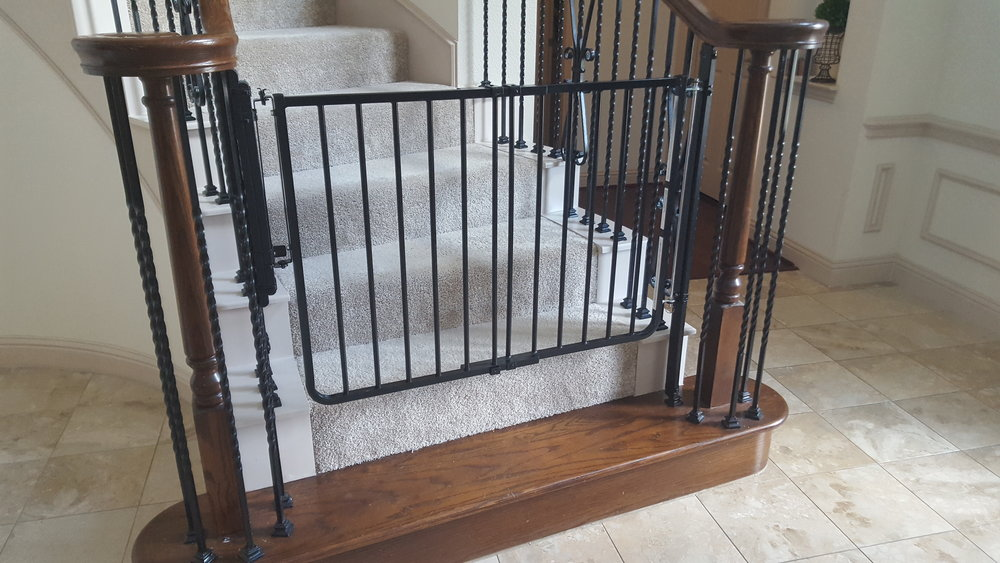Cardinal Baby Gate  -  lifewithstyle.co