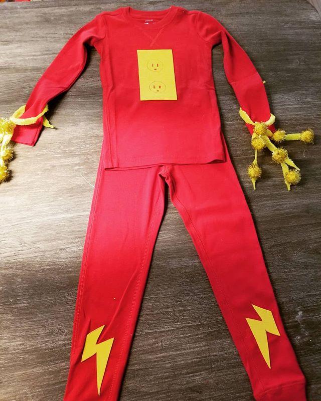 Presenting ELECTRIC MAN from the creative mind of RBB  @primarydotcom #halloweencostume #superhero #diyhalloweencostume #diy #happyhalloween #trickortreat